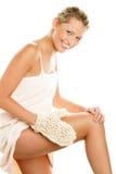 Donna che massaggia il suo corpo Fotografia Stock