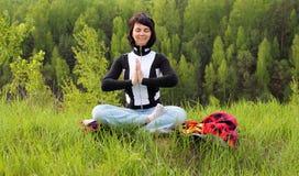 Donna che Meditating Fotografia Stock