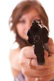 Donna che mira nella macchina fotografica isolata Fotografie Stock Libere da Diritti