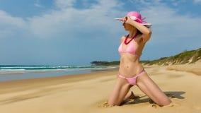 Donna che porta bikini dentellare Fotografia Stock