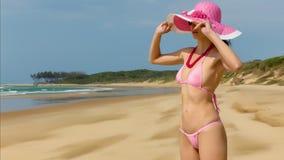 Donna che porta bikini dentellare Immagini Stock