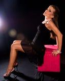 Donna che porta vestito nero. Immagine Stock Libera da Diritti