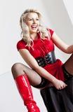 Donna che porta vestito rosso Fotografia Stock