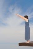 Donna che prende l'immersione - concetto, metafora Fotografia Stock