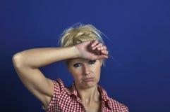 Donna che sembra scoraggiata Immagini Stock