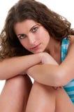 Donna che si siede sul pavimento Fotografia Stock Libera da Diritti