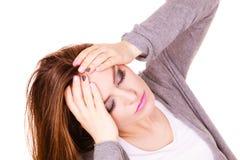 Donna che soffre dal dolore di emicrania di emicrania Fotografia Stock Libera da Diritti