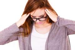 Donna che soffre dal dolore di emicrania di emicrania Immagini Stock