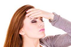 Donna che soffre dal dolore di emicrania di emicrania Immagine Stock