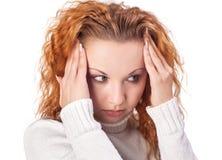 Donna che soffre dall'emicrania Fotografie Stock Libere da Diritti