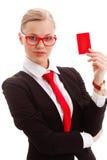 Donna che tiene businesscard in bianco Immagini Stock