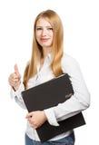 Donna che tiene cartella nera con i pollici su Immagine Stock