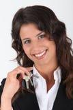 Donna che tiene i suoi tasti Fotografia Stock Libera da Diritti