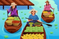 Donna che vende frutta in un mercato di galleggiamento tradizionale illustrazione di stock