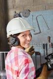 Donna come apprendista dell'operaio Fotografie Stock