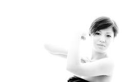 Donna complessa di gesto Disposizione con il modello emozionale e sensuale Fotografie Stock Libere da Diritti