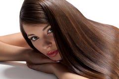 Donna con capelli lunghi sani Fotografia Stock