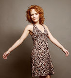 Donna con capelli ricci rossi Fotografie Stock