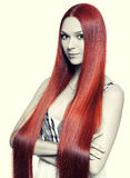 Donna con capelli rossi lunghi Fotografie Stock