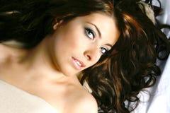 Donna con capelli scuri Fotografia Stock