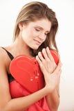 Donna con cuore rosso Fotografie Stock Libere da Diritti