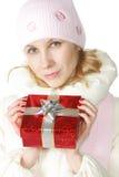 Donna con giftbox rosso Immagine Stock