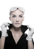 Donna con gli occhiali da sole alla moda Immagini Stock Libere da Diritti