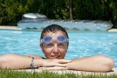 Donna con gli occhiali di protezione Fotografia Stock Libera da Diritti