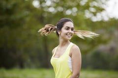 Donna con i capelli di volo immagine stock