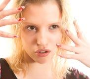 Donna con i chiodi lunghi Fotografia Stock Libera da Diritti