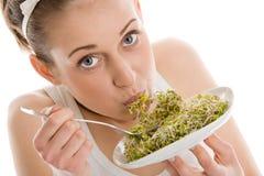 Donna con i germi di soia Fotografia Stock Libera da Diritti