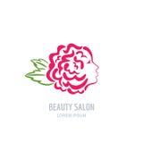 Donna con i petali rosa in capelli Logo floreale di bellezza di vettore Fotografia Stock