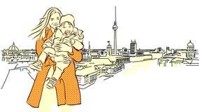 Donna con il bambino davanti a Berlin Panorama View Fotografia Stock Libera da Diritti