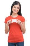 Donna con il biglietto da visita. Immagini Stock