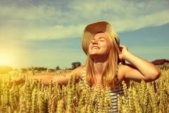 Donna con il cappello Fotografia Stock Libera da Diritti