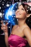 Donna con il cocktail Fotografia Stock