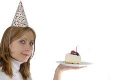 Donna con il compleanno e la torta Immagini Stock Libere da Diritti