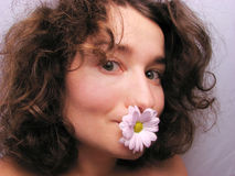 Donna con il fiore Immagine Stock