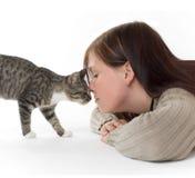 Donna con il gatto Immagini Stock Libere da Diritti