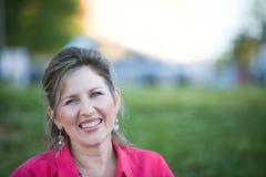 Donna con il grande sorriso Fotografia Stock
