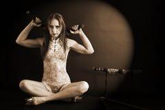 Donna con il katana Fotografia Stock