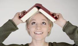 Donna con il libro Immagine Stock Libera da Diritti