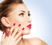 Donna con il manicure Fotografia Stock