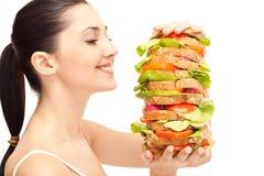 Donna con il panino sano enorme Immagini Stock Libere da Diritti