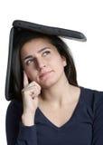 Donna con il pensiero del calcolatore Fotografie Stock Libere da Diritti