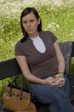 Donna con il piccolo spuntino Fotografia Stock