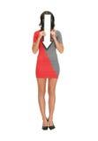 Donna con il segno della freccia di direzione Fotografia Stock Libera da Diritti