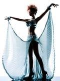 Donna con il vestito di seta dall'acetato fotografia stock