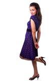Donna con il vestito piacevole ed i pattini nell'ente completo Fotografia Stock Libera da Diritti