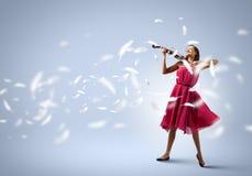 Donna con il violino Fotografie Stock Libere da Diritti